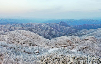 雪后初晴 河南熊耳山壮美如画