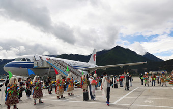西藏交通基础设施建设实现历史性跨越