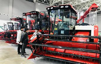 潍柴雷沃农业装备全系列产品亮相春季展