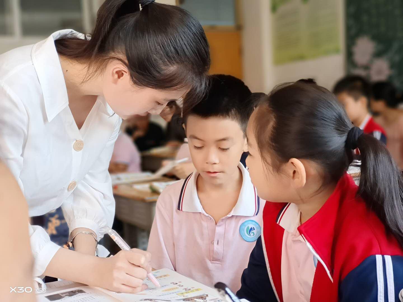 潍坊渤海实验学校举行教师素养展示课活动