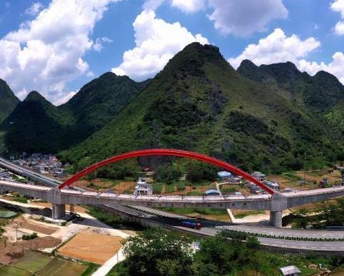 贵南高铁全线最长桥梁竣工