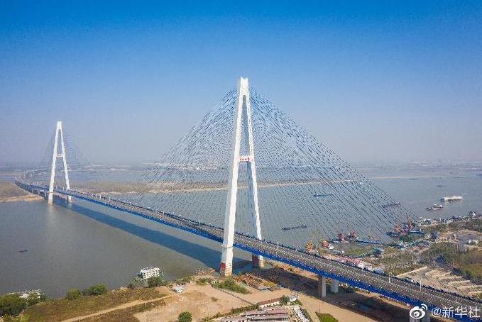最宽长江大桥通车