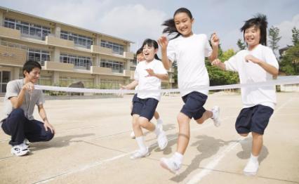 """""""体育课不被占""""拟入法 保障学生锻炼权"""